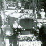 Prinzessin zu Solms-Braunfels mit ihrem Opel 10-40 bei einem Festumzug in Ingelheim